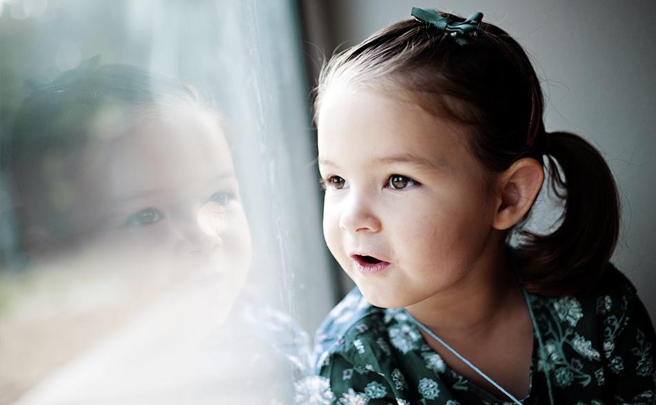 Un enfant dans la crèche écologique Montessori de Pantin